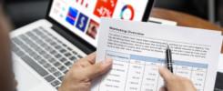 Un imprenditore sceglie da dove iniziare a fare web marketing